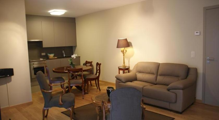 C.J. 2 Brussels Apartment