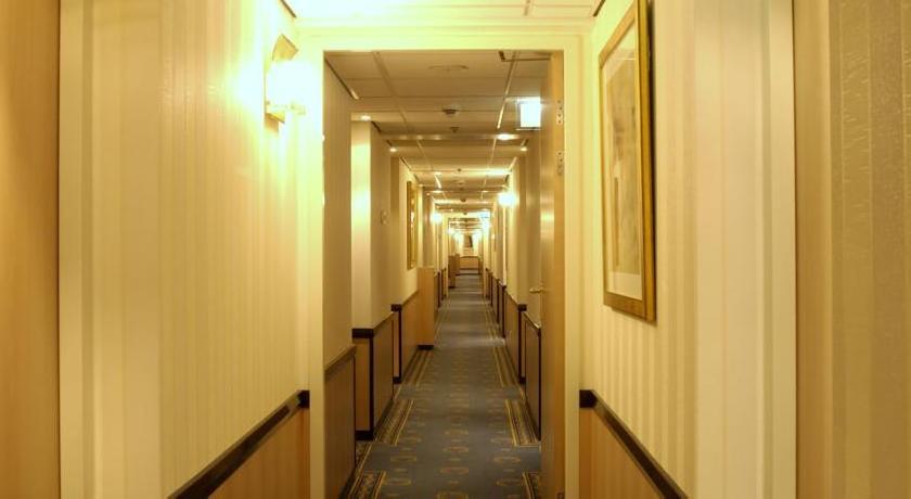 Regis Hotelschiff Frankfurt 4*