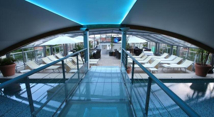 Goldstar Resort & Suites