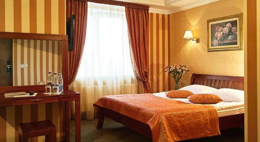 Отель Соната