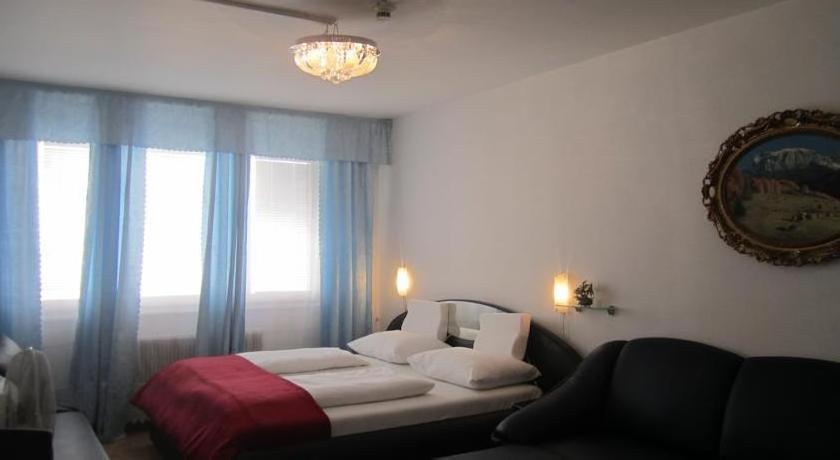 Hotel Pension Adam Apartment
