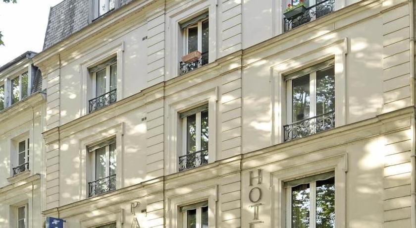 A l'Hôtel Des Roys