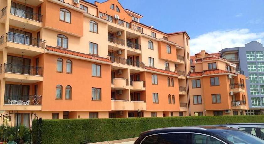 Apartment in Kassandra Complex
