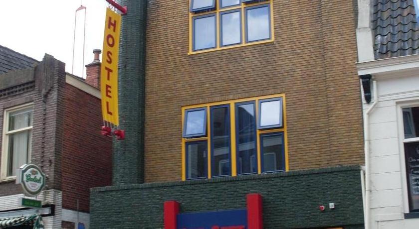 Bud Gett Hostels