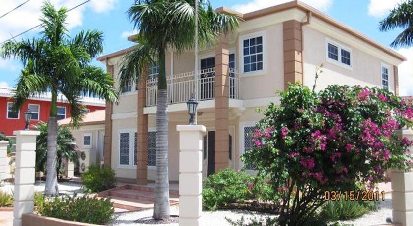 Eagle Beach Villa