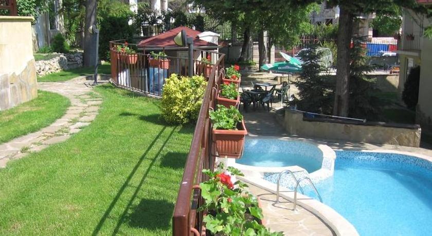 Greenway Club Holiday Village