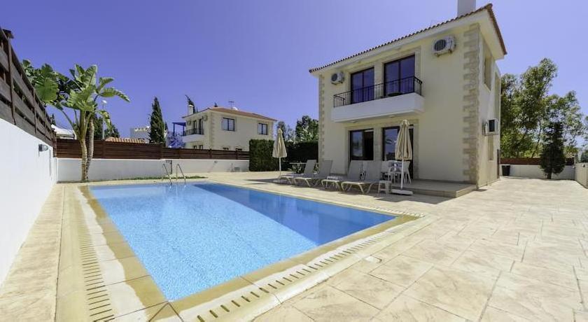 Zouvanis Luxury Villas