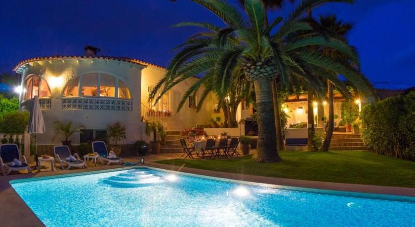 Holiday Villa Oasis