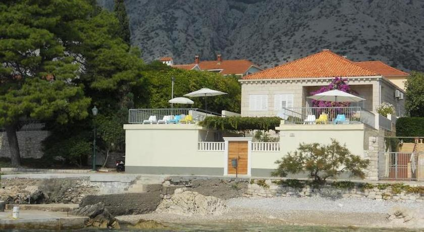 Apartments Villa Orebic