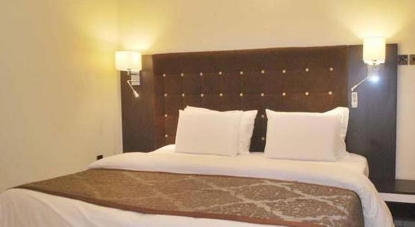 Lakeem Suites