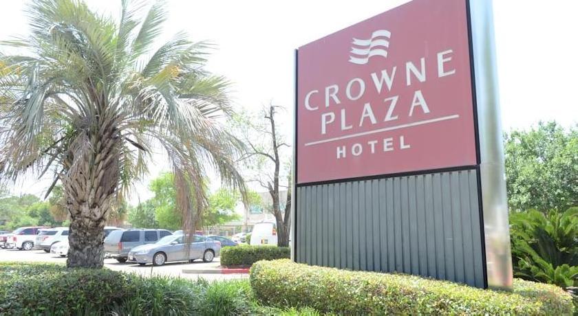 Crowne Plaza Hotel Northwest Brookhollow