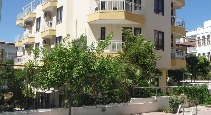 Pinus Apart&Otel