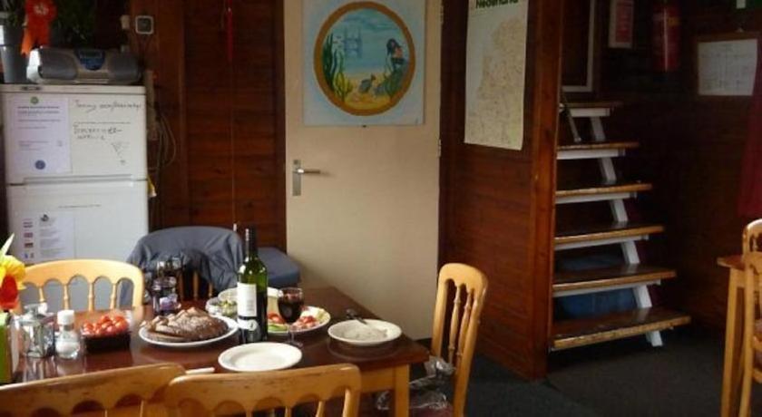 Intersail Hostel - Christina