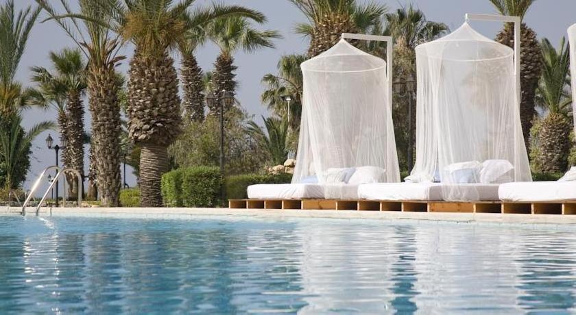 Sandy Beach Hotel & Spa