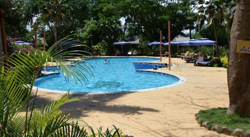 First Landing Beach Resort & Villas