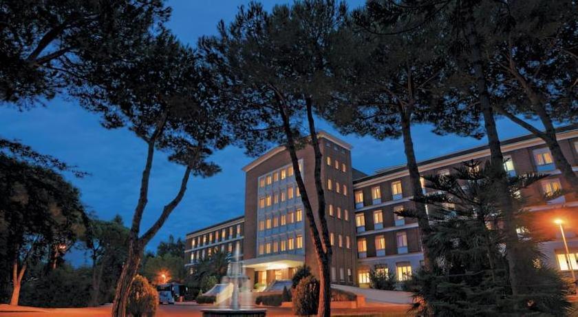Green Park Hotel Pamphili