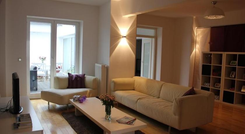Fürstenwall Apartment