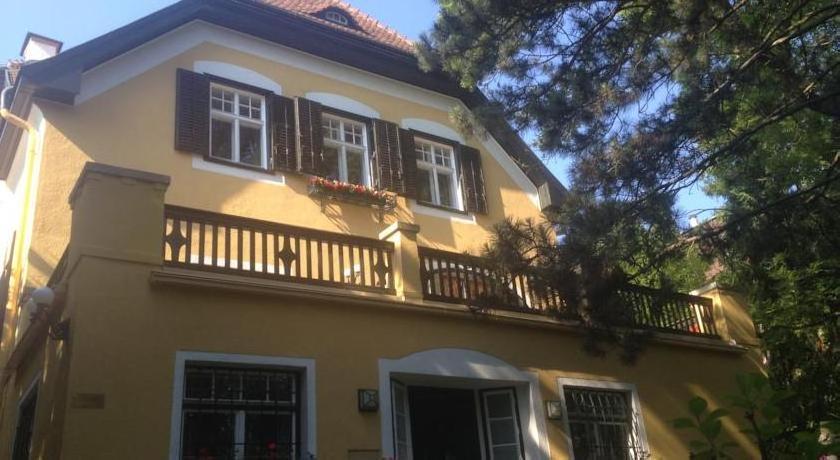 Schönes Appartement in idyllischer Stadtvilla