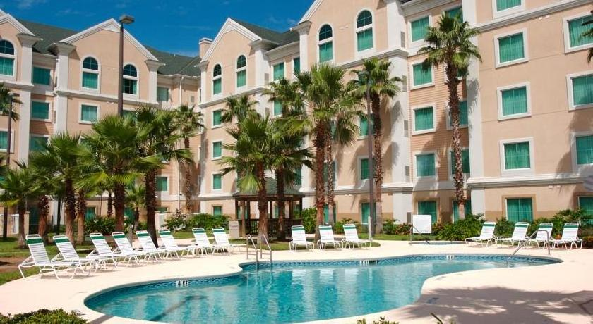 Hawthorn Suites by Wyndham Lake Buena Vista, a Sky Hotel & Resort