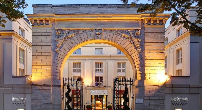 Pullman Versailles Château