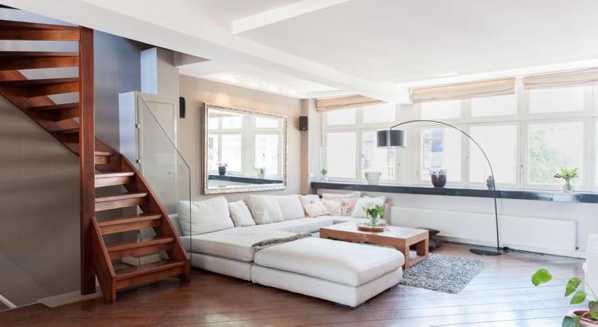Lionel Apartment