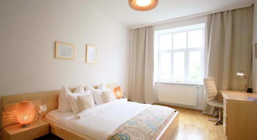 Apartment Elegant Living