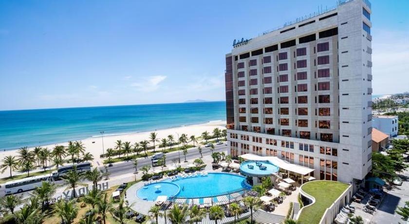 Holiday Beach Da Nang Hotel and Spa