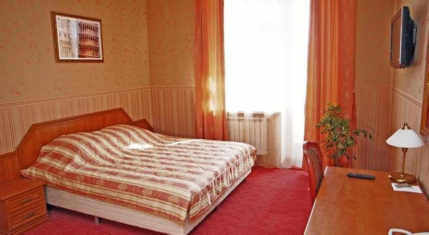 Lomonosov Hotel