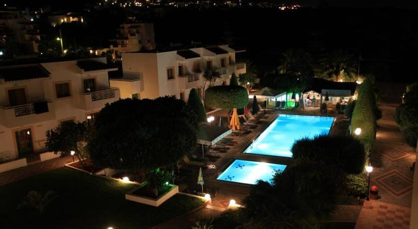 Nikolas Villas Appartments