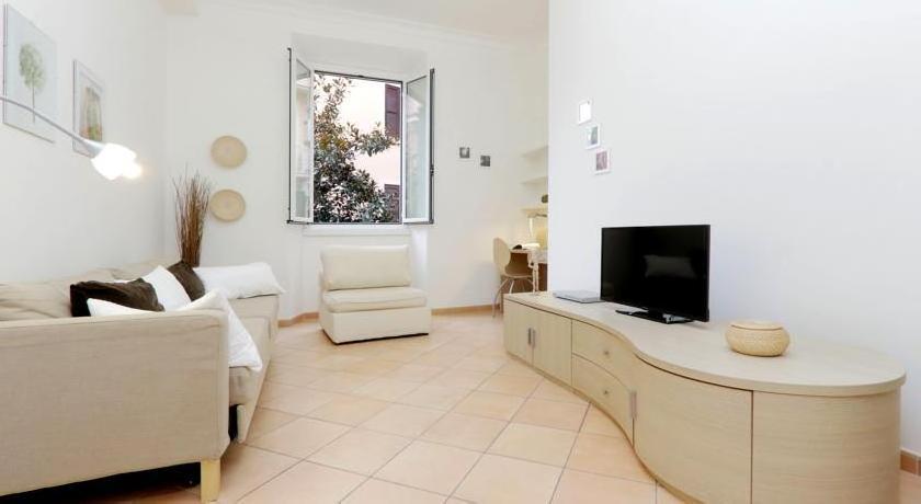 Piazza Bologna Halldis Apartments