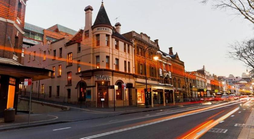 Russell Hotel In The Rocks