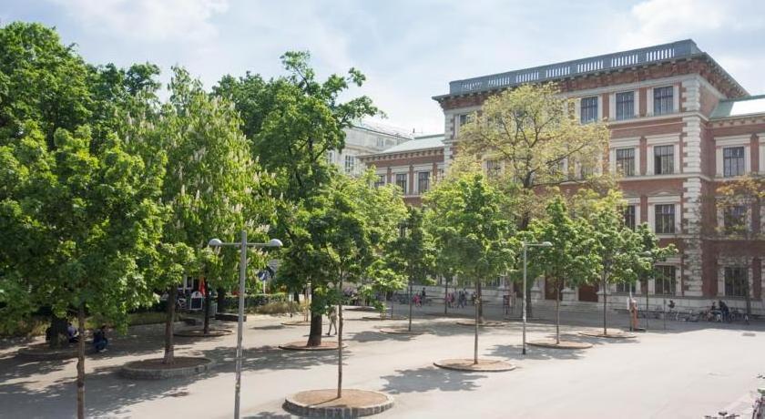 Vienna Apartment 4
