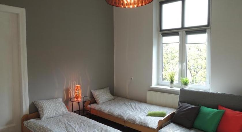 Backyard Apart&Rooms