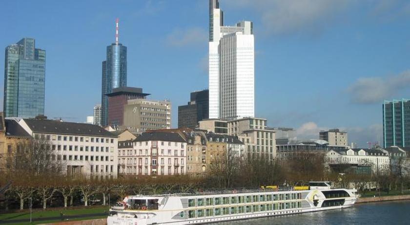 Regis Hotelschiff 4* Neuss