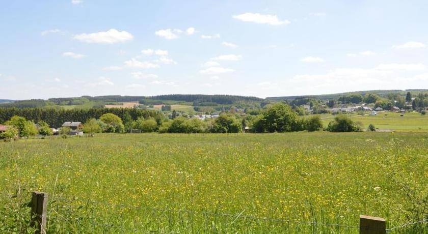 Holiday Home Le Chevreuil Hatrival
