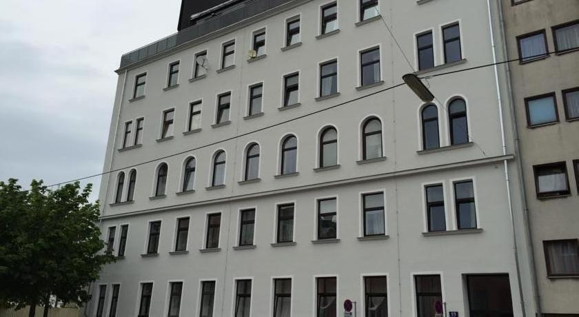 Amici Apartments