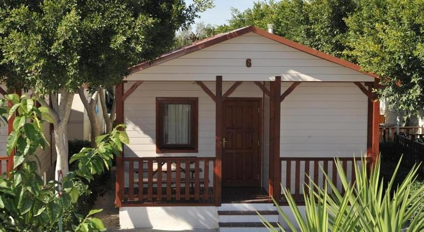 Marjal Camping & Bungalows Resort