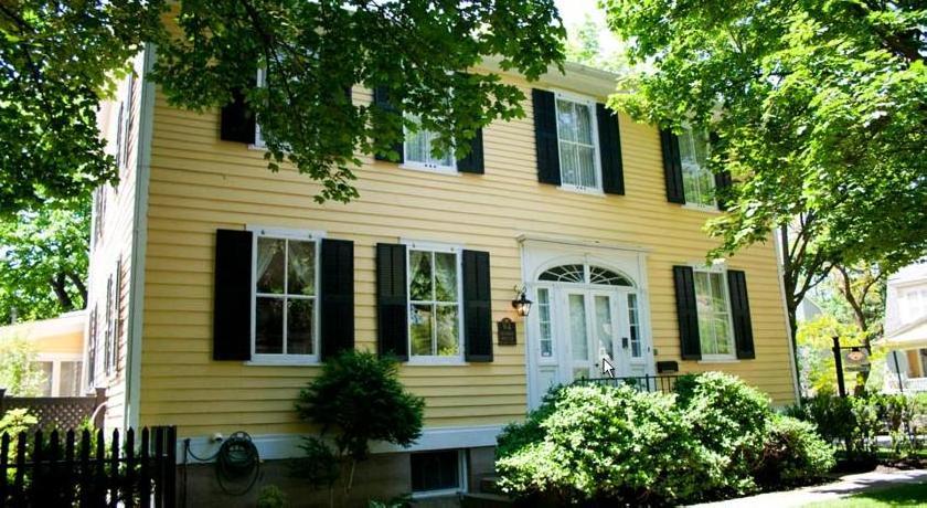 Burke House Inn, Circa 1822