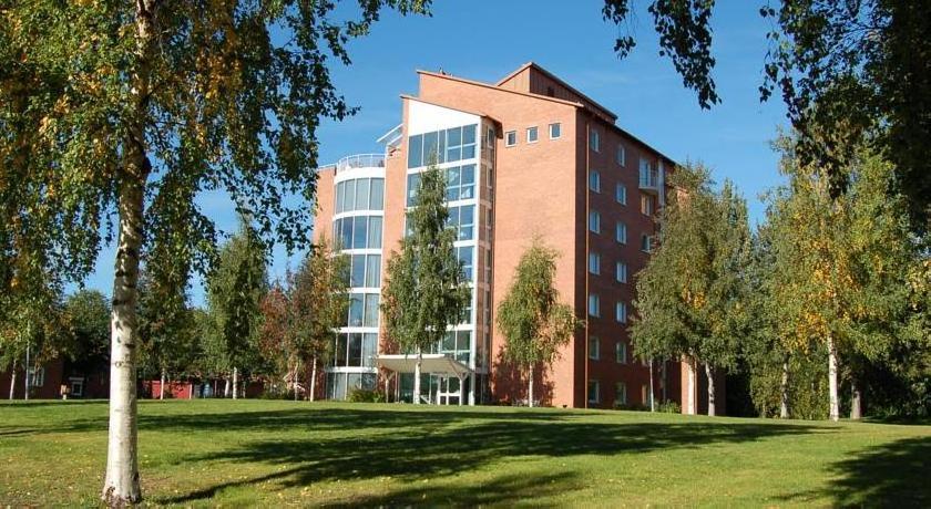 Medlefors Folkhögskola & Konferens