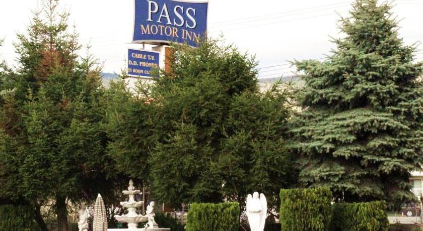 Pass Motor Inn