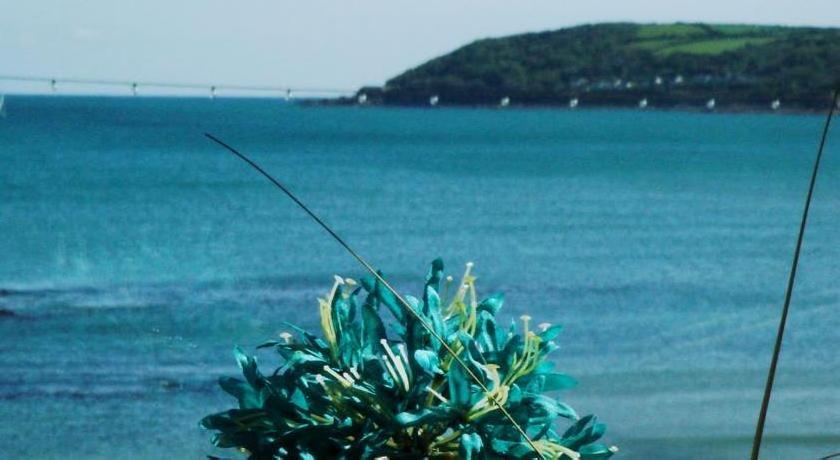 Shoreline B&B by the Sea