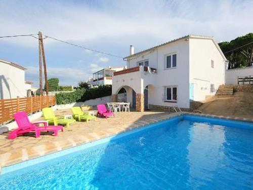 Holiday home Pinedes L'Escala