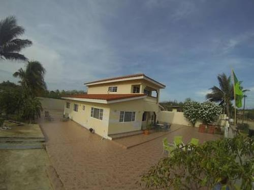 Santa Cruz Homestay Angochi House