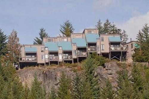 Creekside Accommodations by Whistler Places