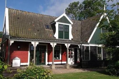 Holiday home Recreatiepark Wiringherlant15