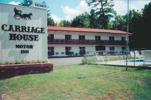 Carriage House Motor Inn