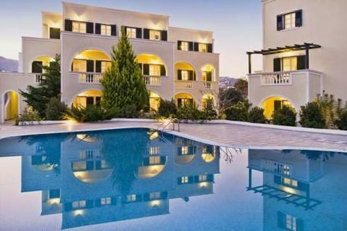 Golden Sun Studios & Apartments