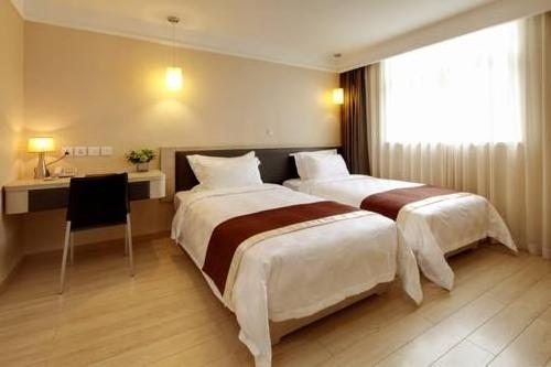 Ole London Hotel