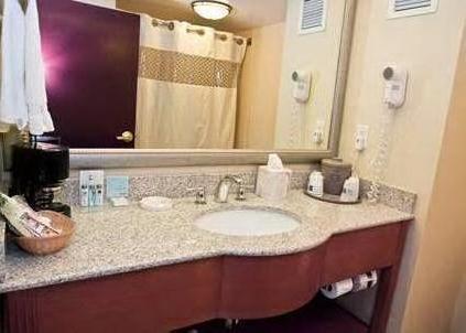 Hampton Inn & Suites Charlotte Arrowood